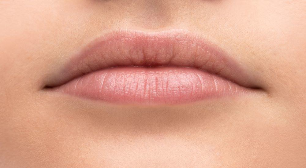 how to plump thinning lips lack of collagen